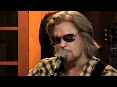 Papa Was A Rollin' Stone- Daryl's House w/Train