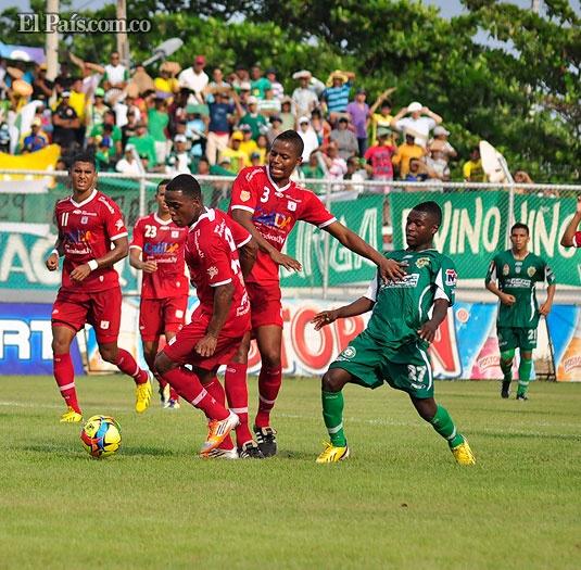 Valledupar Fútbol Club y América de Cali igualaron el domingo sin goles en un duelo válido por la fecha 8 del Torneo Postobón y disputado en el Estadio Armando Maestre.