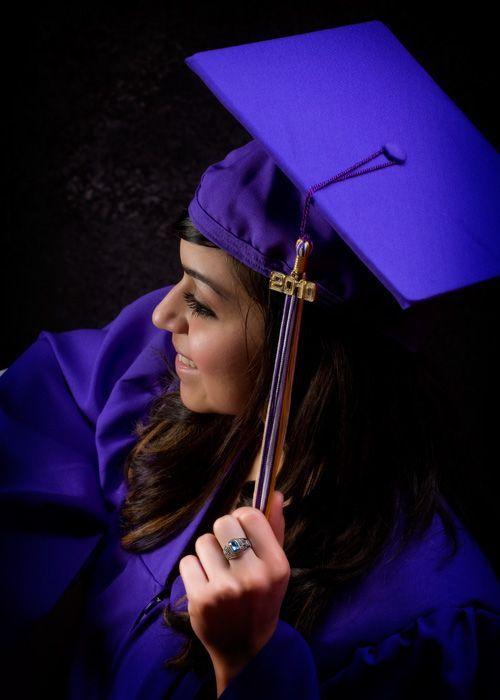61 best Photo Sessions - Senior Grad Cap & Gown images on Pinterest ...