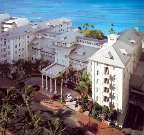 """In the heart of Waikiki Beach, the Moana Surfrider, on Oahu, introduced the world to Hawaiian hospitality in 1901. Often referred to as the """"First lady of Waikiki"""", this oceanfront Oahu hotel is a legendary landmark. Been there:)"""