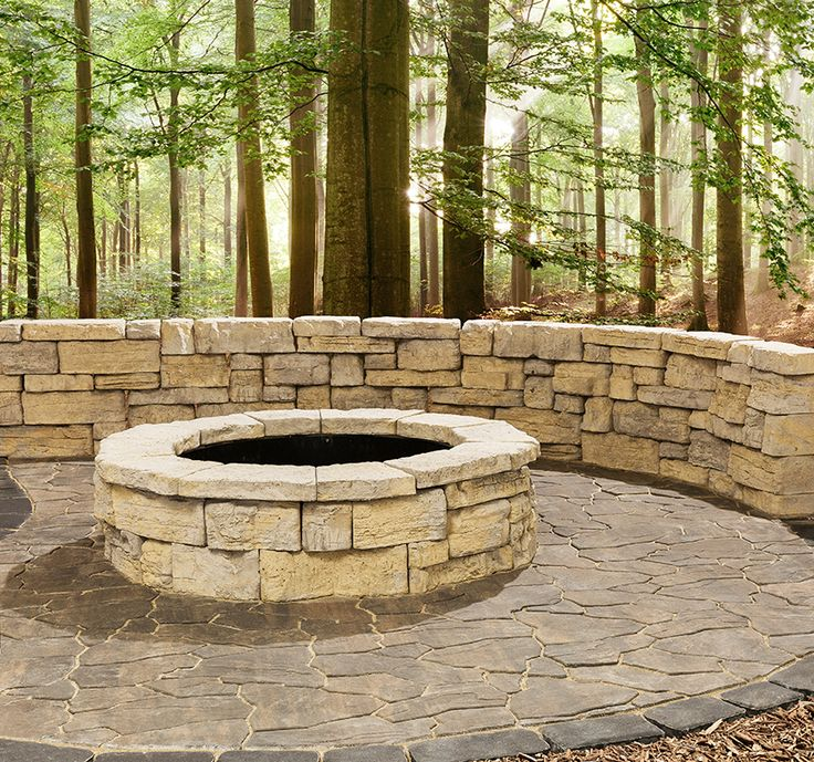 Rosetta Belvedere Firepit and Wall with our new Mesa Flagstone paver.