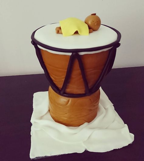Djembe Drum Cake #djembe #djembedrum #afro #baby #birthday #baking #homemade #cake #dessert #decoration #icing #frosting #sugar #fondant #food #montreal #finessecatering #finesse #catering #creativefood #foodporn #foodpost #wiltoncakes #kitchenaid #vscofood #cakestagram #instafood #foodphotography #cakeoftheday #buzzfeedfood