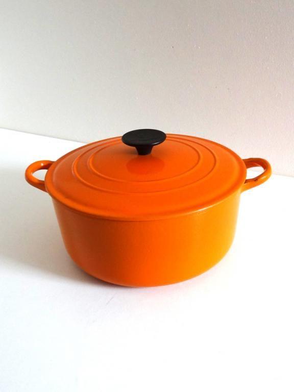 Cocotte vintage Le Creuset en fonte orange années 70