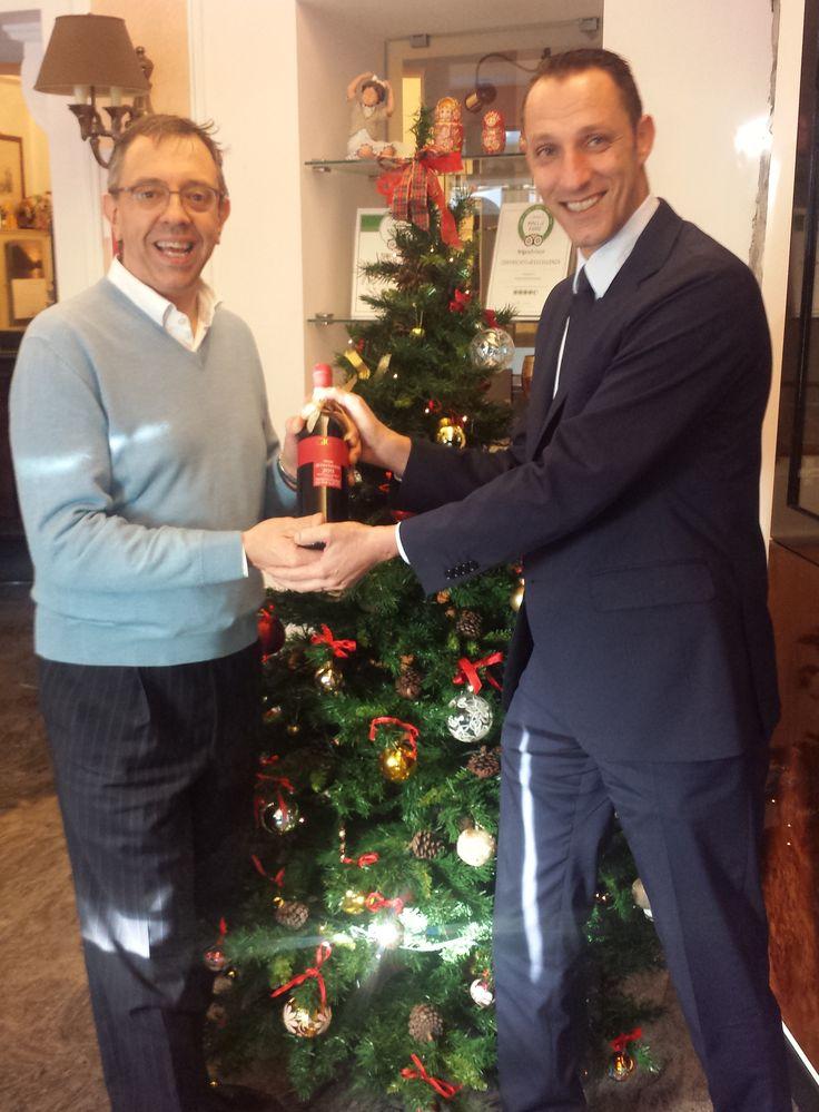 """Armando premia uno dei nostri """"social ambassador"""" ecco a voi Nicola Villa  premiato per il costante supporto su Google+ www.hotel-posta.it"""