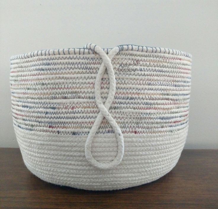 Large rope basket by KempHouseCreations on Etsy https://www.etsy.com/listing/264370932/large-rope-basket