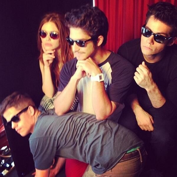 Max Carver, Holland Roden, Tyler Posey and Dylan O'Brien behind the scenes of Teen Wolf.