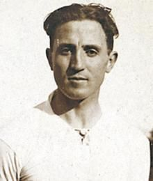 Santiago Bernabéu de Yeste.  Dirigente. Real Madrid 1947-78.  16 Ligas de España. 6 Copas de Europa/Europa Leagues.