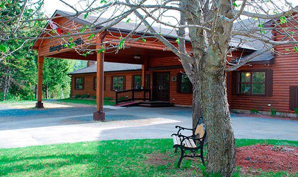 Hotel and Spa Auberge De La Vallee in Bathurst, NB