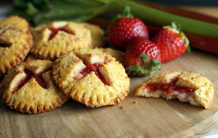 Rhubarb Strawberry Cheesecake Hand Pies (Mini-Pies)