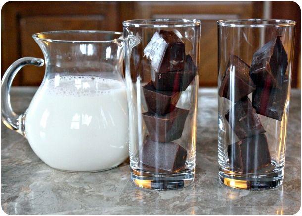 chocolate ice cubes... :O: Oooh Chocolates Ice, Ice Cubesi, Ice Cubes Y, Fun Drinks, Ideas Da, Favorite Recipes, Chocolate Ice, Food Drinks, Creative Cakes Food