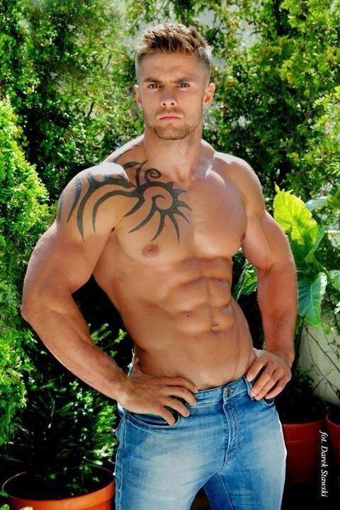 chris pine nude shower