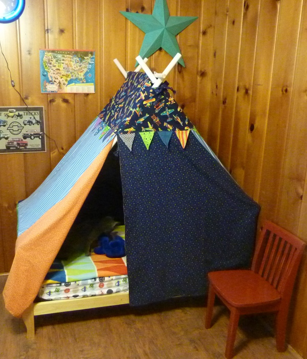 Use the pvc pipe from the wedding - cut and screw them together throw one. Toddler Bed TentFort ... & 83 best Donovanu0027s Bedroom images on Pinterest