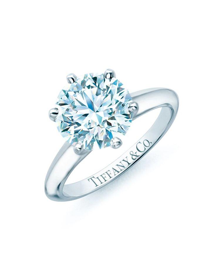 Das klassische Tiffany's Setting ist für viele Frauen der Traumverlobungsring, von Tiffany & Co. ab 1.900 €