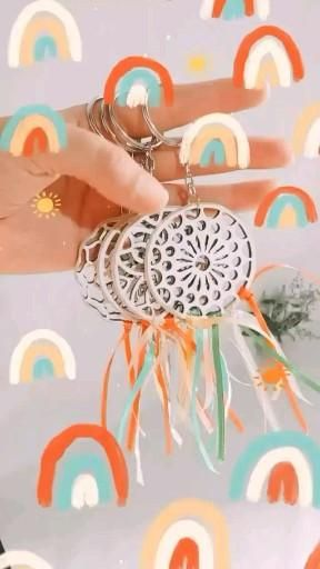 Ideas @demiparatisn llaveros con formitas laser de ArteFibro #formitas #diy #manualidades #llaveros #souvenirs Baby Shower, Kit, Laser, 3d Printing, Christmas Ornaments, Holiday Decor, Ideas, Creative Crafts, Shapes