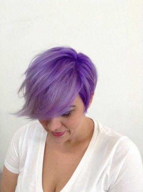 Υπέροχα μωβ pixie hair!