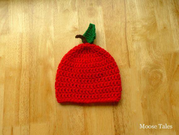 Moose Tales: Crochet Apple Hat: Avaliable in sizes 0-18 months. #applehat #babyapple