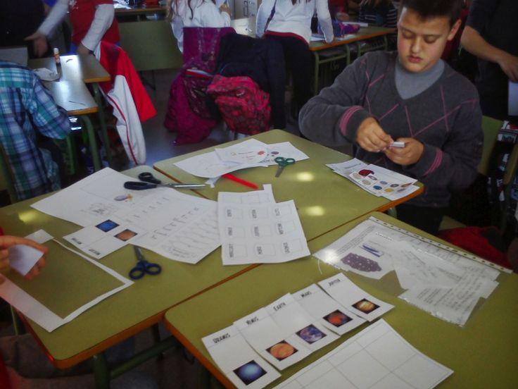 Genial proyecto #abp perfecto para #CLIL 'El universo en el aula'