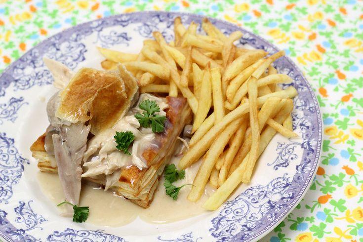 De klassieker bij uitstek, de favoriet van de kinderen: hertoginnehapje of vol-au-vent met frietjes en een zelfgemaakt koekje.
