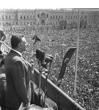 جمال عبد الناصر يخطب فى الجماهير