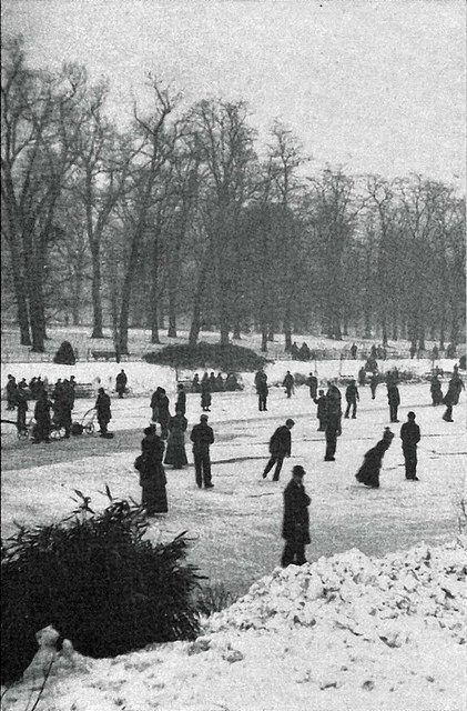 Hyde Park, London 1900 skaters on the frozen Serpentine, its been a long time since that happened! Leonard Bentley Flickr