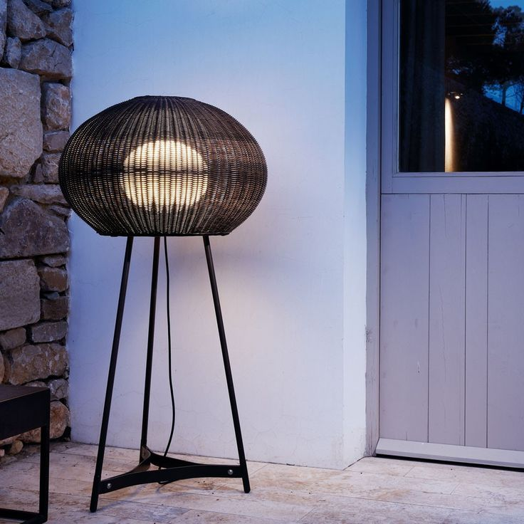 The Garota 02 Outdoor Floor Lamp was inspired by the sea urchins commonly found along the Mediterranean coast. http://www.ylighting.com/bover-garota-02-outdoor-floor-lamp.html