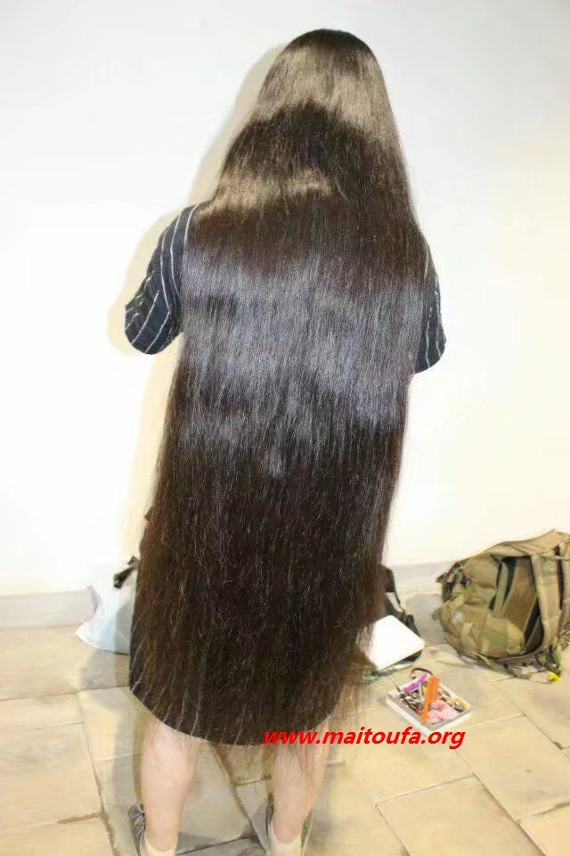 Pin By Dennis Dean On Extra Long Hair Extra Long Hair Super Long Hair Thick Hair Styles
