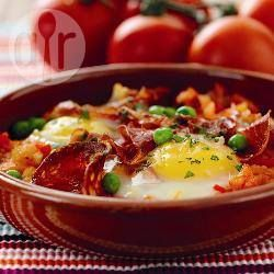 Recipe photo: Huevos a la flamenca (Andalusian flamenco eggs)