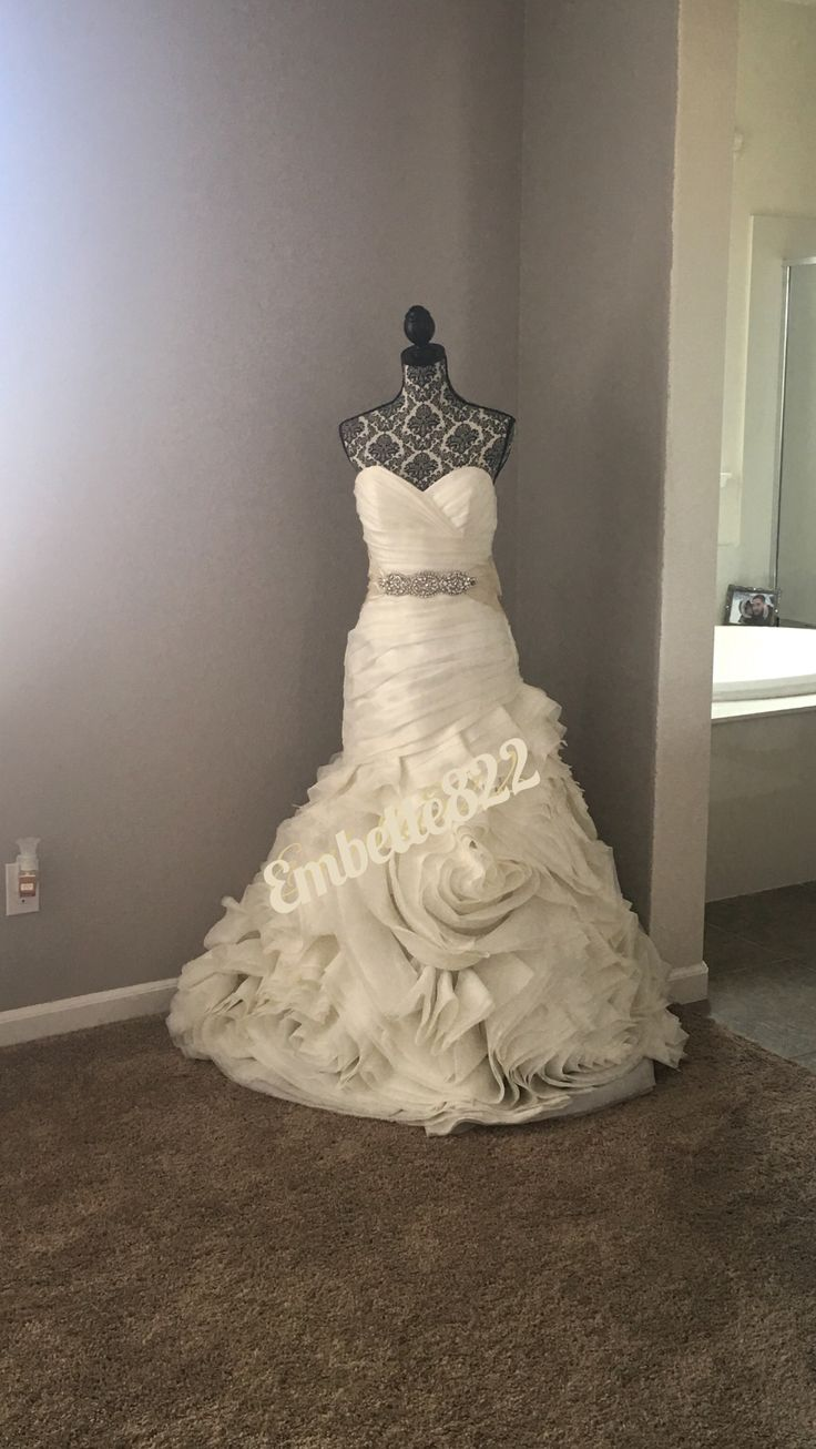 Wedding Dress ideas to store,storing your wedding dress,putting your wedding dress on display,wedding dress storage, framing your wedding dress,ideas for storing your wedding dress,storing your wedding dress, wedding dress ideas