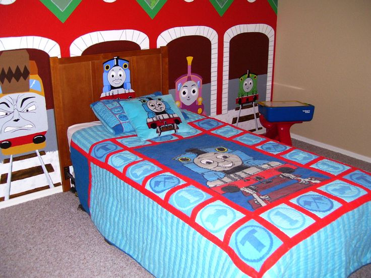 thomas the train toddler room ideas for liam pinterest. Black Bedroom Furniture Sets. Home Design Ideas