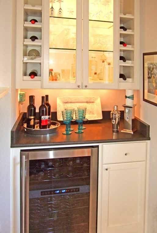 https://i.pinimg.com/736x/c2/d8/0a/c2d80ae526425c0ad810265943d75065--kitchen-planner-beverage-center.jpg