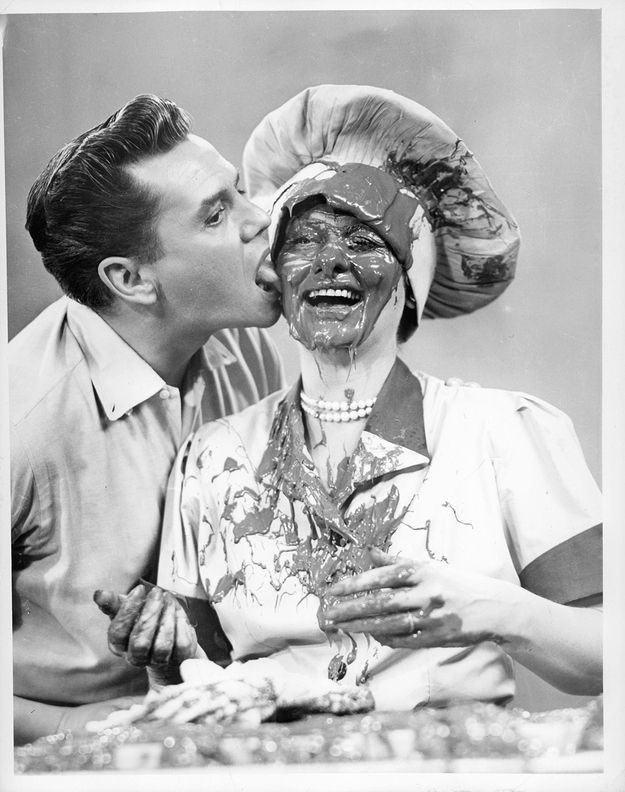 "21 Wonderful Behind-The-Scenes Photos Of ""I Love Lucy"" - Buzzfeed"