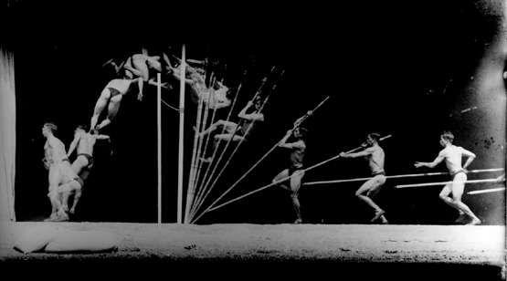 Chronophotographie d'un perchiste. - Georges DEMENY