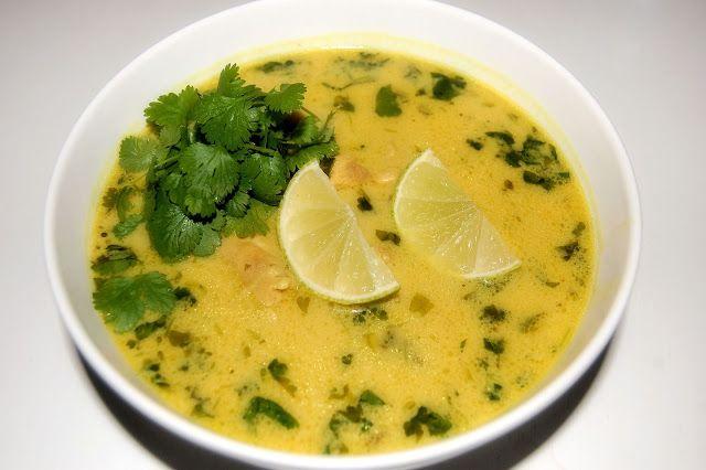 Łagodne zielone curry z kurczakiem