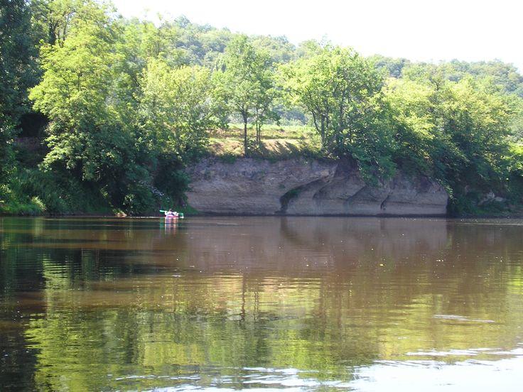 Op de rivier de Vézère - Saint Léon s/V - juli 2006
