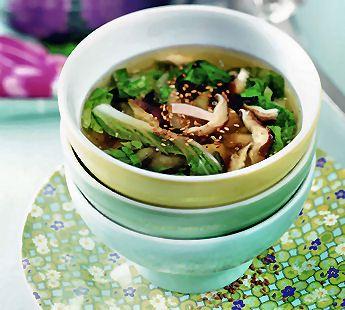 Lichte paksoibouillon met shiitake - Recept - Jumbo Supermarkten