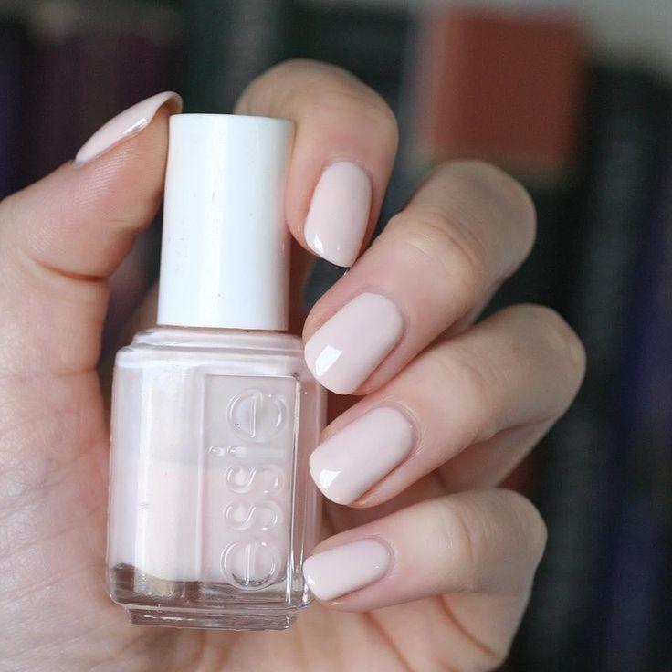 Meghan Markle portait du vernis à ongles Essie Ballet Slippers pour son mariage royal …   – Nail Ideas