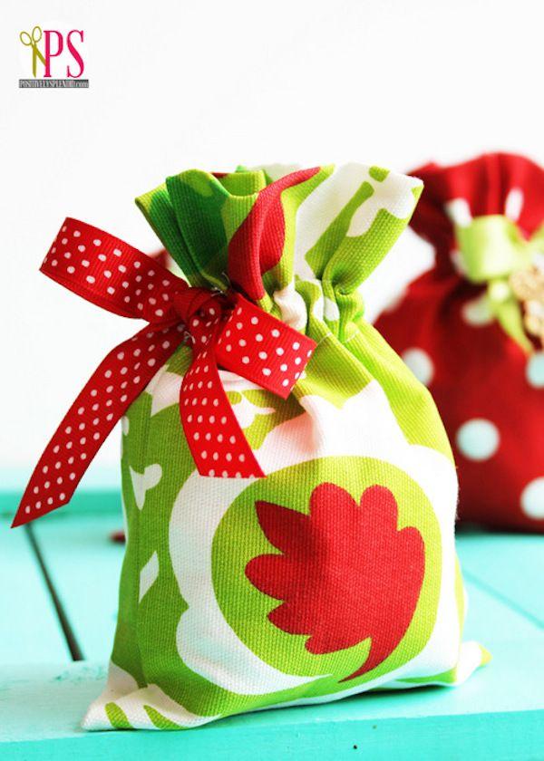 C mo hacer una bolsa para regalo de tela - Como hacer bolsas de regalo ...