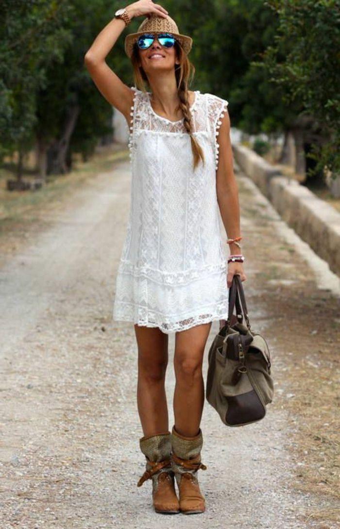 robe d'été moderne de couleur blanche, lunettes de soleil, chapeau