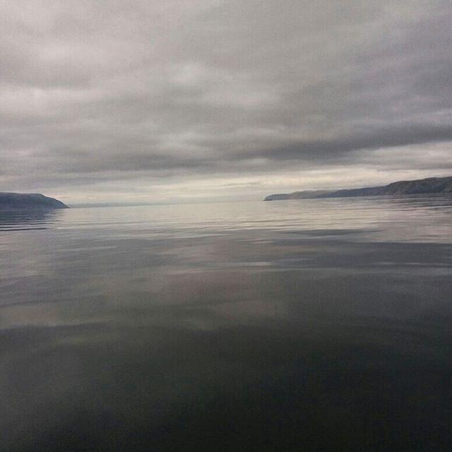 Cool fishing, cool place, cool weather, hot guys!🐟❄🔥 #wildernessculture #visitnorway #suomiretki #retkipaikka #fishing #arcticocean #outdoorlife #outdoors #boating #boatlife #friluft #friluftsliv #ocean #finnmark #partioaitta #ulkoilma