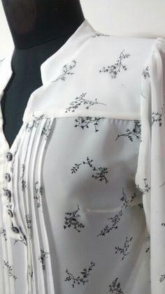 Blusa en Seda Chiffon estampada. By De la Parra Couture.