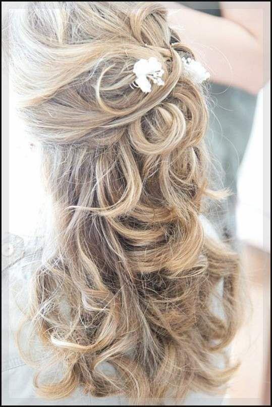 Brautfrisuren lange haare halb hochgesteckt #frisuren #damenfrisuren #bobfrisuren #frisur Ihre Top-Quelle für Berühmtheit Haarschnitt und Frisuren.