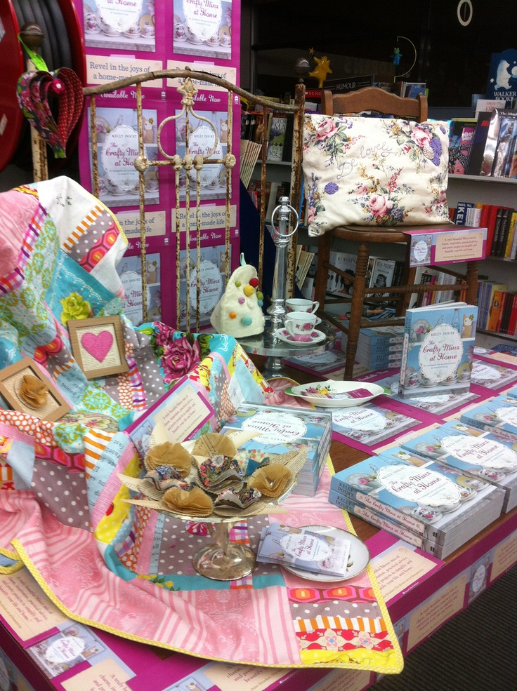 A closer look at Collins Ballarat's fantastic book display for Crafty Minx at Home