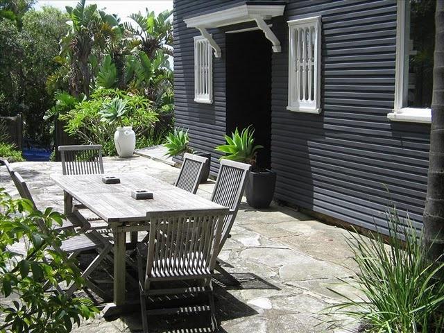 house colour, patio