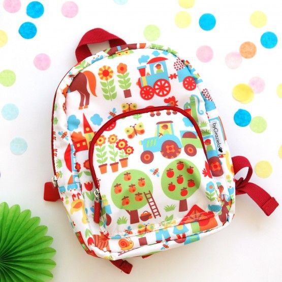 Toller Rucksack für Kinder mit Tieren und Trecker auf dem Bauernhof. Findet bei uns herrlich bunte Taschen und Rucksäcke für Kinder.