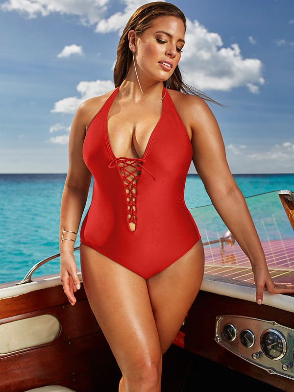 Check Out the World top 5 #Plussizemodel ruling the #fashion industry - http://bit.ly/2aLmkYx #AshleyGraham #RobynLawley