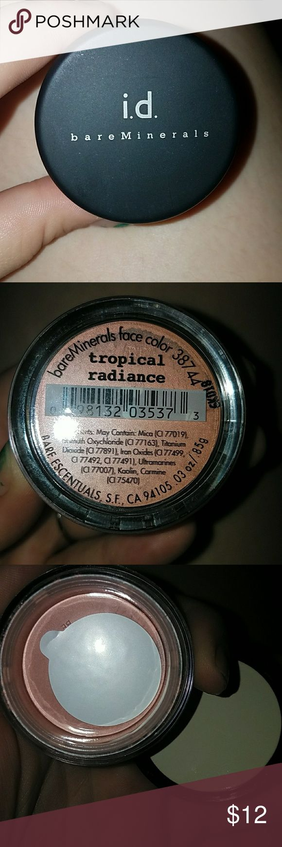 Id bare minerals tropical radiance Brand new never used still has white piece covering the holes bare minerals blush. Normal size beautiful shine to it. bare minerals Makeup Blush