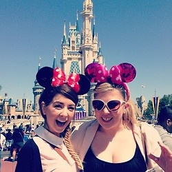 Zoe and Louise at Disneyworld.
