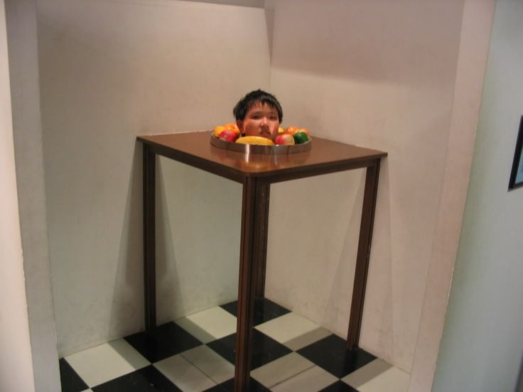 http://www.illusionspoint.com/wp-content/uploads/2010/09/scary-optical-illusion-30.jpg Optical illusion