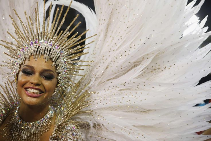 Top 25 photos of the sexy semi-naked Brazilian samba dancers from Rio Carnival 2015