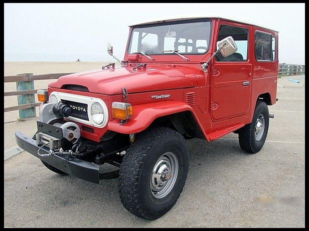 1975 Toyota FJ-40  Fuel Injection